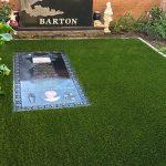 چمن مصنوعی برای دور سنگ قبر